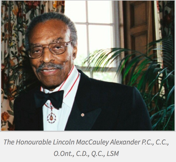 Picture of The Hon. Lincoln Alexander at his Law Society Medal ceremony